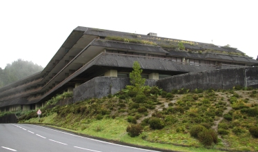 Five star hotel in Cete Cidades. It was built in 1983 and used for two years! Millions of euros wasted...