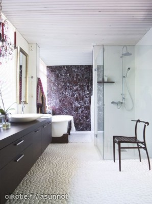 Bungalow kylpyhuone