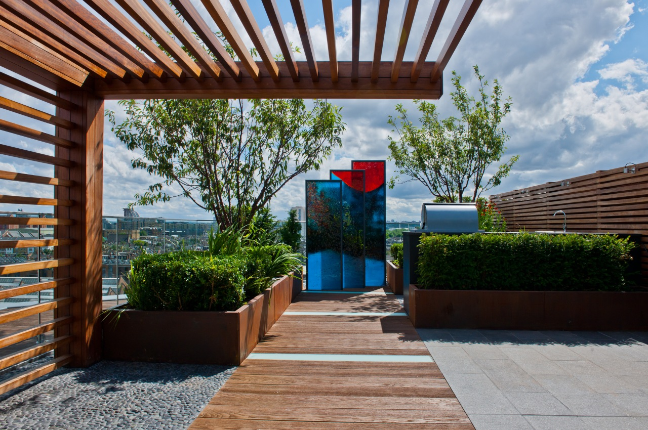 architecture-surprisingly-house-rooftop-gardens-designs-thinkter-wooden-pergola-with-modern_contemporary-roof-design_interior-design_office-interior-design-designers-nyc-color-wheel-best