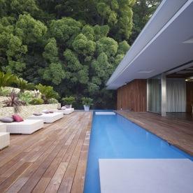 luxury-resort-backyard-patio-with-swimming-pool