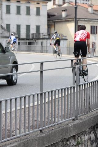 Pyöräilijöitä riittää Como-järven teillä