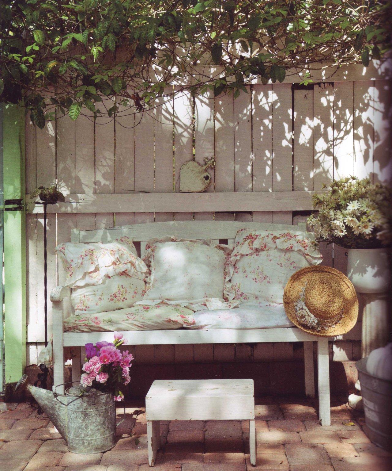 Maalaisromantikon sohva