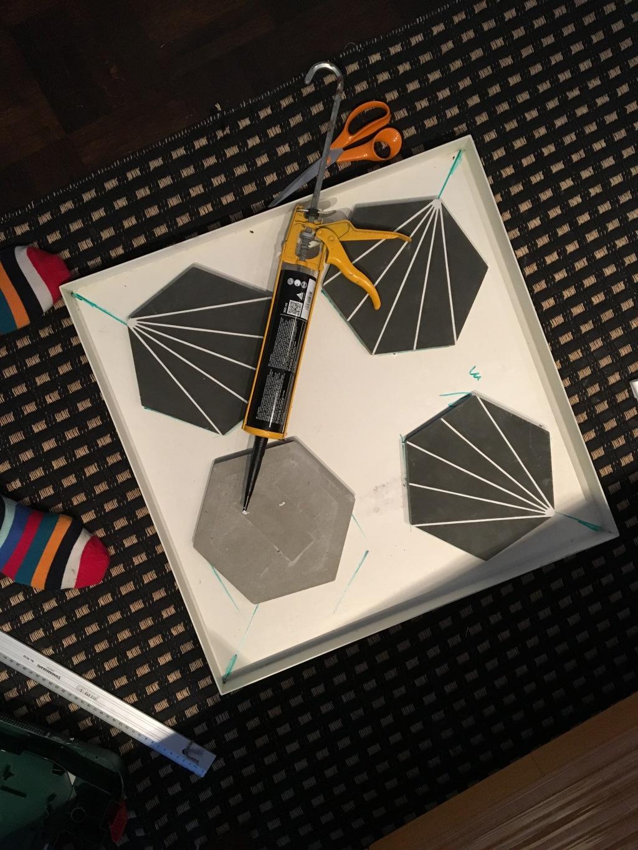 Hay-pöytä koki muodon muutoksen, Marrakech Dandelion laatat