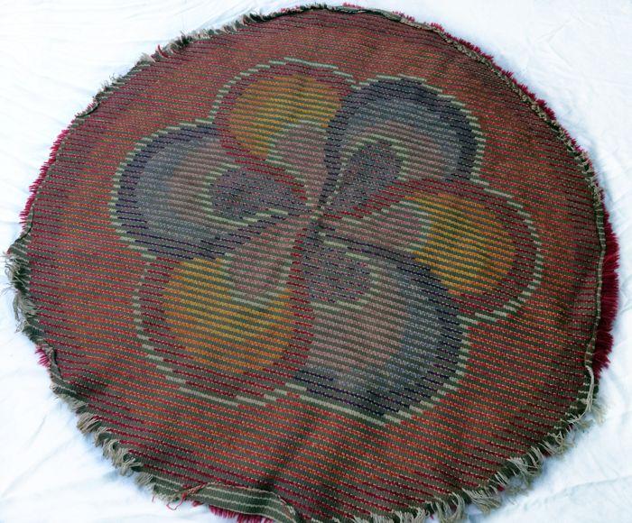 60-luvun punainen kukkamatto